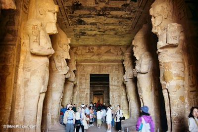 Ramses II's temple, inside central aisle