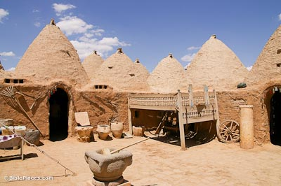 Haran beehive house reconstruction
