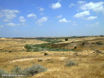 Nahal Besor view to north