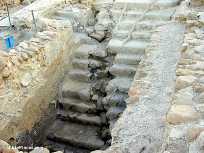 Qumran mikveh with earthquake crack