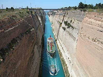 http://www.bibleplaces.com/newsletter/Corinth_Canal_from_east_with_ship11,_tb050803.jpg