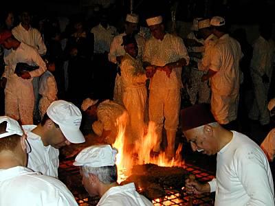 Roasting of lamb at Samaritan Passover