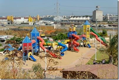 Playground in Bene Berak, tb062807402sr